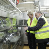 Gedankenaustausch mit DGB-Vorsitzendem Hoffmann und Triers OB Leibe im JTI-Werk (FOTO)