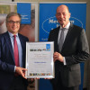 Wolfgang Tiefensee, Wirtschafts- und Wissenschaftsminister der Landesregierung Thüringen, wird neues Kuratoriumsmitglied der Stiftung Menschen für Menschen (FOTO)