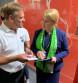 Verankerung von Kinderrechten im Grundgesetz stärkt Rechte junger Menschen / Johanniter-Unfall-Hilfe überreicht Bundesministerin Giffey Position auf DEKT 2019 (FOTO)