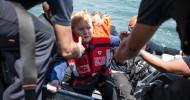 Wir retten jede*n – auch Angela Merkel / Aktion zum Weltflüchtlingstag (FOTO)